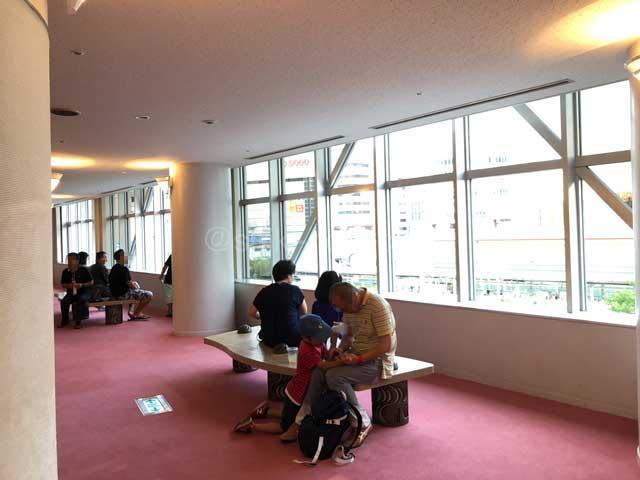 川口リリアメインホール2階ロビー