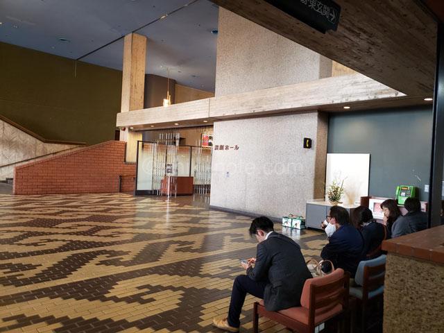 熊本県立劇場ロビー
