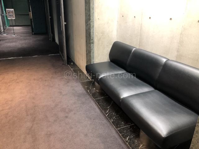 京都劇場ロビー